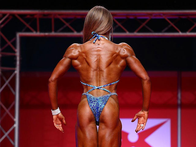 Figur-Athletin-Jennifer-Ullmer_Back_02