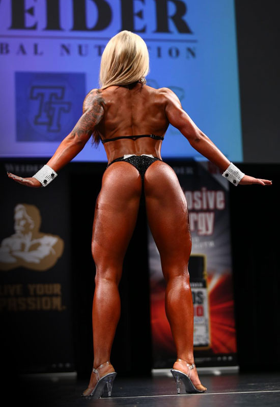 Wellness-Bikini-Athletin_Claudia-Makowski_Back